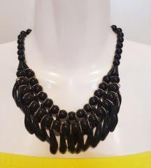 Nova crna ogrlica