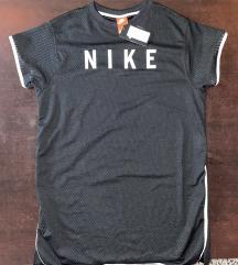 Nike haljina (vel. M)