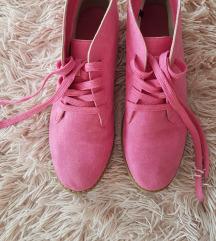 Ružičaste cipele