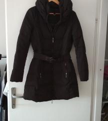 Zara pernata jakna duga