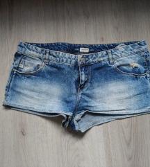 Pull&Bear kratke hlačice