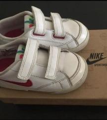 Nike dj.patike za curice br.24 ug.13.5cm