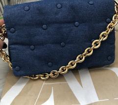 Nova traper torba sa zlatnim lancem
