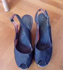 110 kn Tommy Hilfiger sandale vl.38