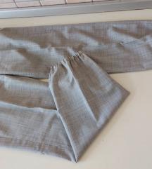 MaxMara sive hlače