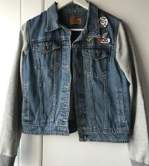 Traper jakna sa sivim rukavima