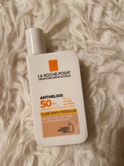 La roche posay Anthelios tinted