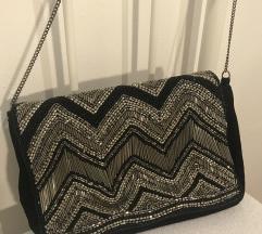 Bershka srebrno crna torbica