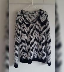 Esmara čupavi pulover, jednom nošen