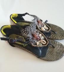 Prodajem sandale japanke