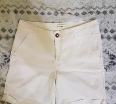 Bijele kratke hlače/šorc
