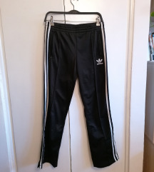 Adidas original crna trenirka
