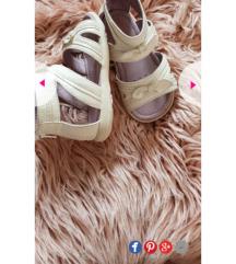 Sandale 22