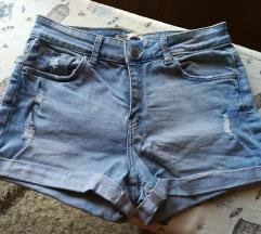 Bershka kratke hlače, 2+1 gratis