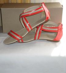 BATA krasne sandalice br.38