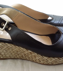 Crne kožne sandale Unisa na punu petu