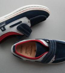 32 Geox cipele za dečke