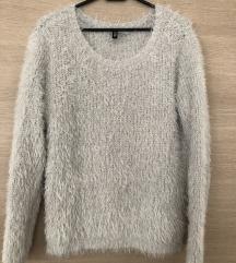 Čupavi H&M pulover