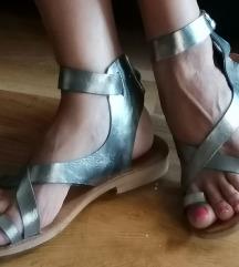 Srebrne kožne sandale rimljanke 39