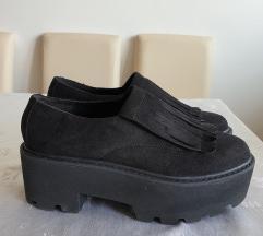 POTPUNO NOVE PULL AND BEAR cipele br.38