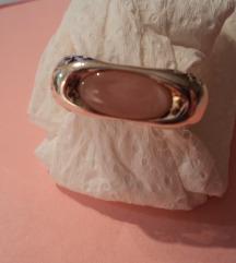 925 srebreni prsten s sedefom i ametistom 270kn!