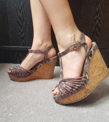 H&M ljetne sandale na punu petu