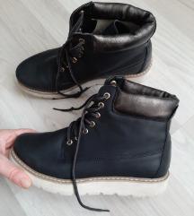Čizme gleznjace 38