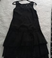 Crna haljina s volanom