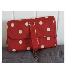 Crvena točkasta torbica