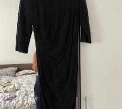 Crna čipkasta haljina s ogrlicom