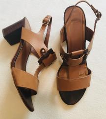 Konjak smeđe sandale