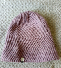 Ljubičasta topla kapa