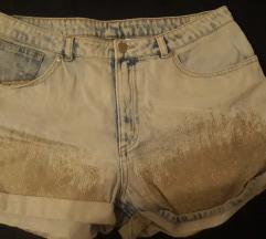 Kratke trape hlače