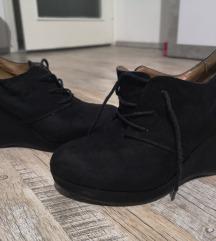 Crne cipele na petu, br. 39