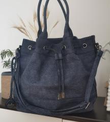 Tamnoplava torba
