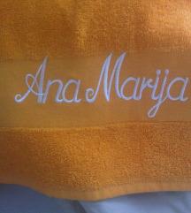 Novi ručnik s imenom s etiketom