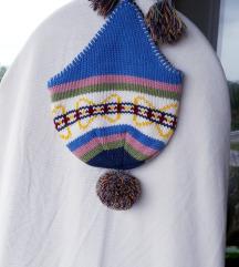 Pletena zimska kapa sa pomponima