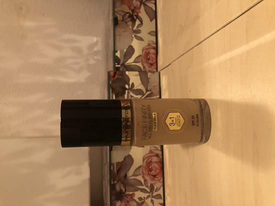 Max factor facefinity 3 u 1