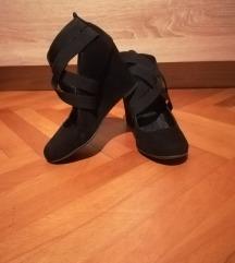 Cipele puna peta s elastičnim trakama