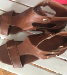 Snižene sandale