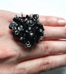 Unikatni prsten sa čipsom od oniksa